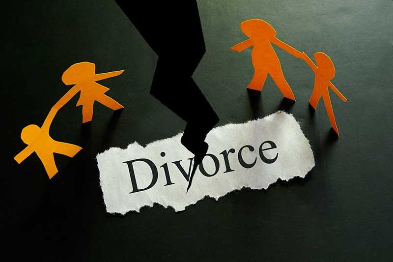 EL DIVORCIO CONTENCIOSO Y EL DIVORCIO DE MUTUO ACUERDO